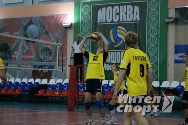 Благотворительный кубок по волейболу в помощь Н.Сафроновой
