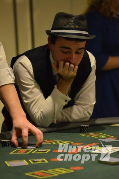 Компания Brunel встретила Новый год в подпольном казино